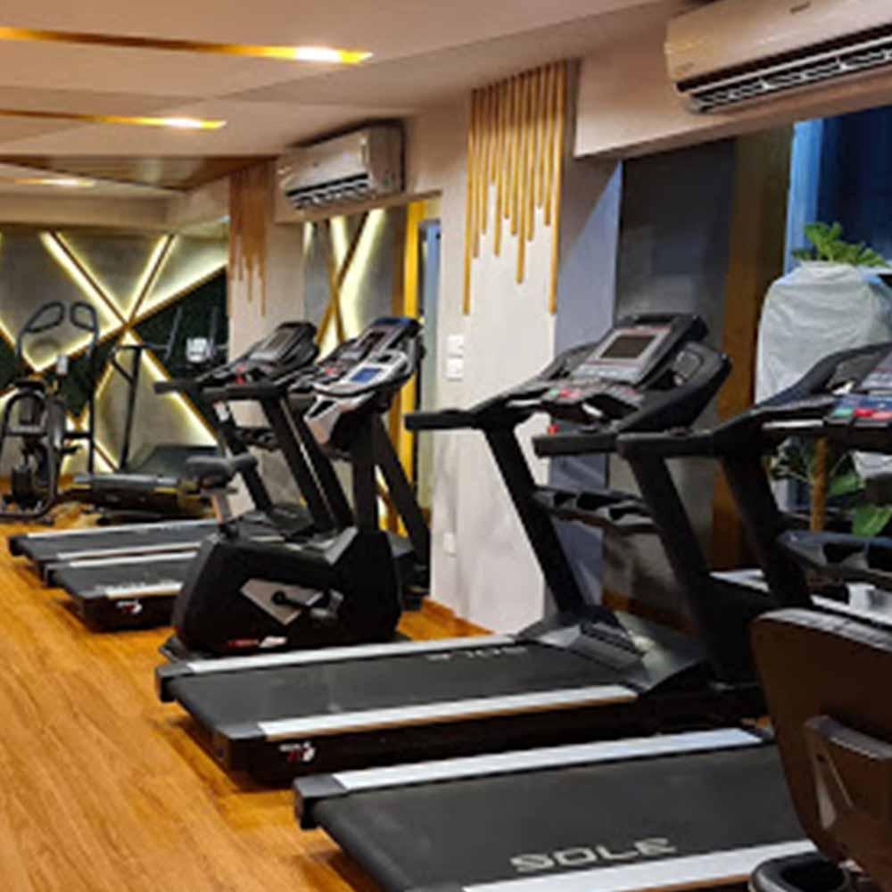 "Top Gym of Karachi ""Pulse Fitness"""