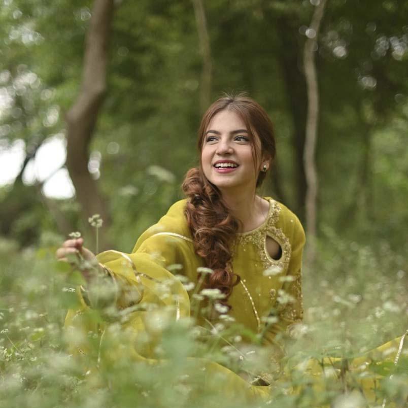 Pawri Ho Rai Hai girl Dananeer Mobeen