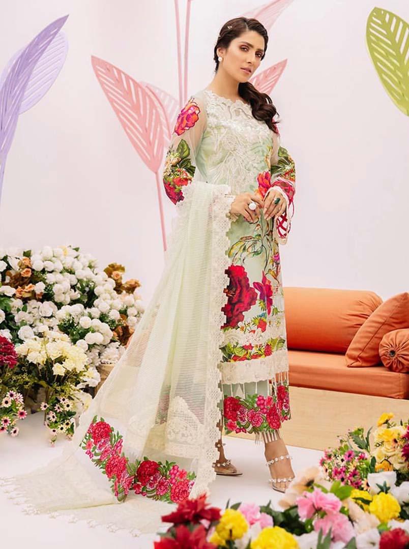 Eid Inspirational looks of Ayeza Khan