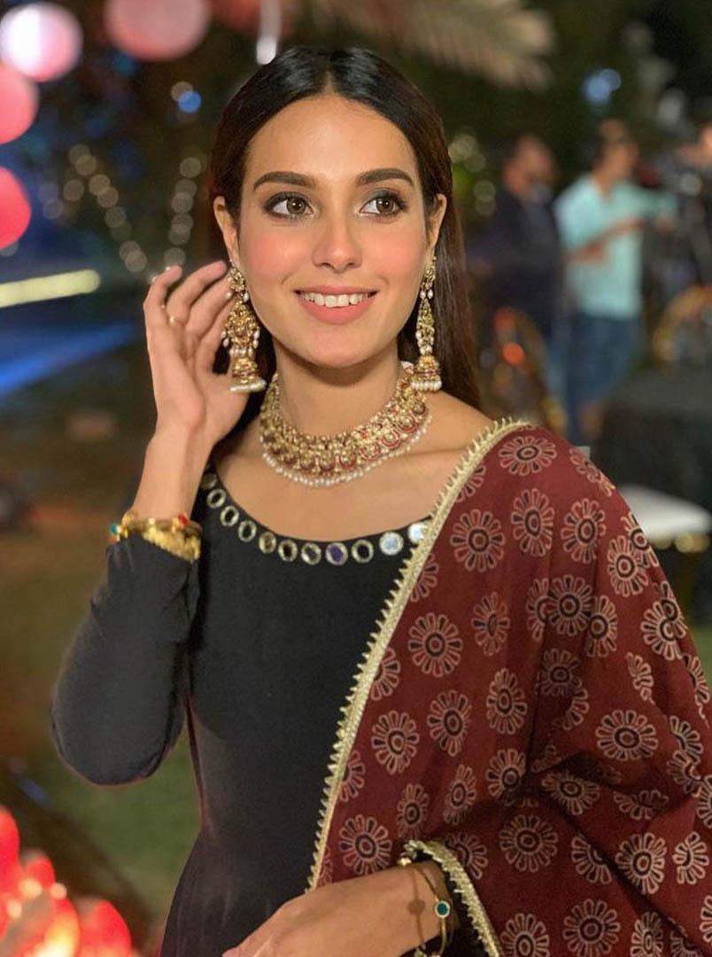 Actor and Model Iqra Aziz