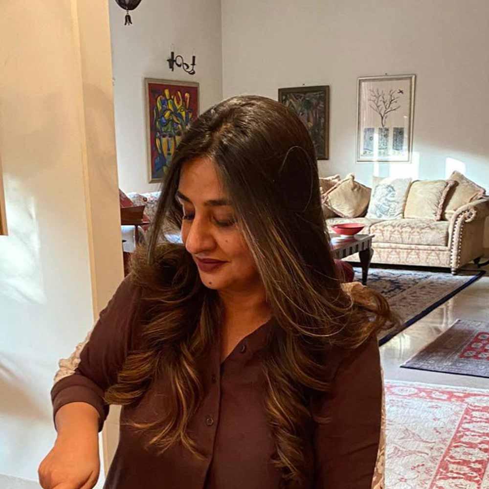Yasmin Zaman-Fashion Designer